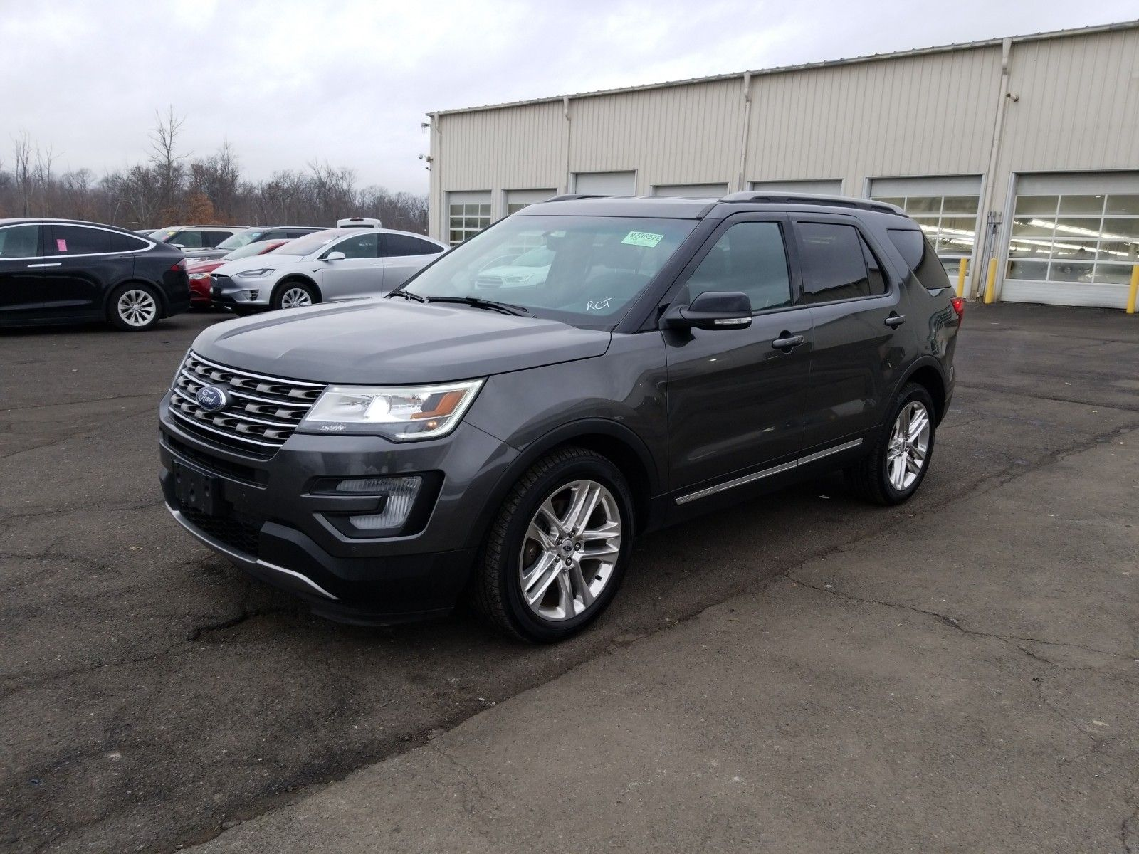 2017 Ford Explorer 3.5. Lot 99911944134 Vin 1FM5K8D81HGA96895