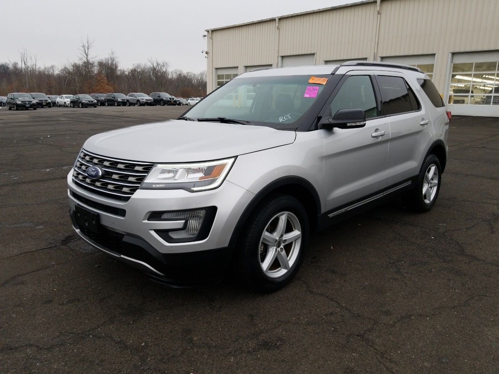 2017 Ford Explorer 3.5. Lot 99911935899 Vin 1FM5K8D83HGB75503