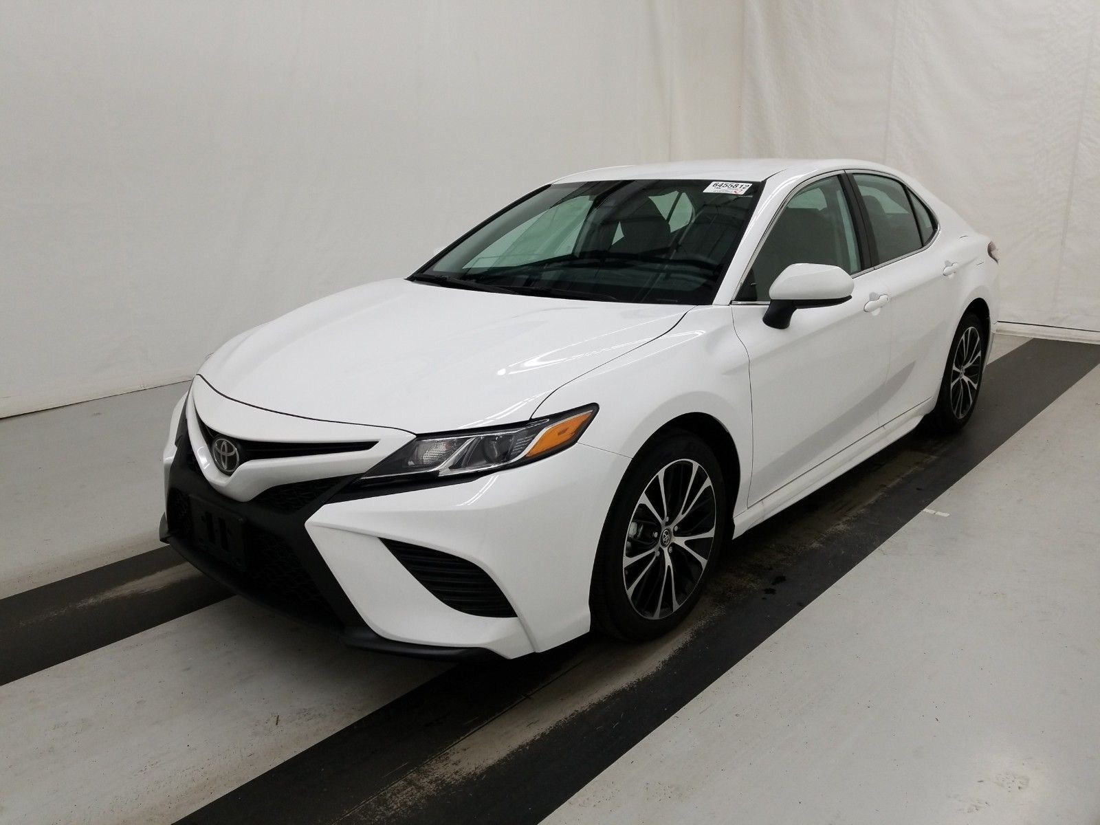 2019 Toyota Camry 2.5. Lot 99921011784 Vin 4T1B11HK6KU833231