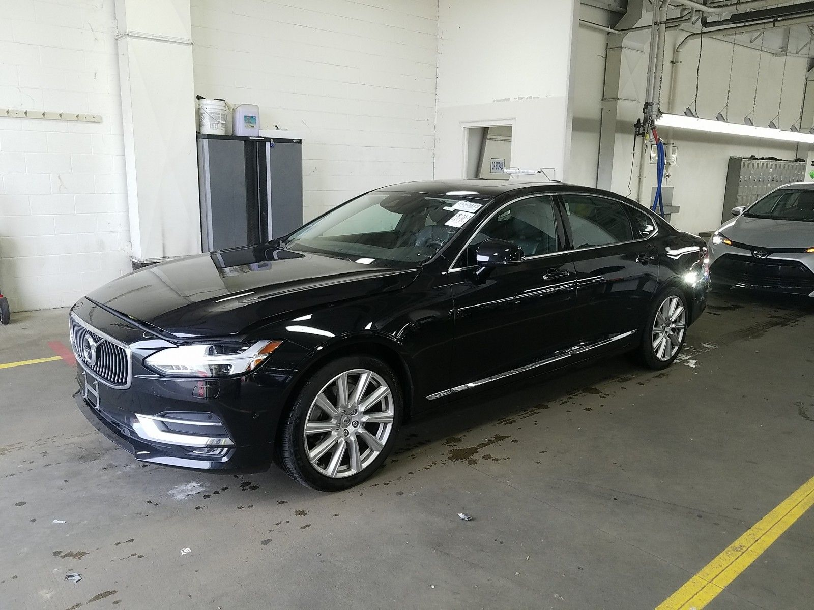 2018 Volvo S90 2.0. Lot 99921075478 Vin LVY992ML9JP005678